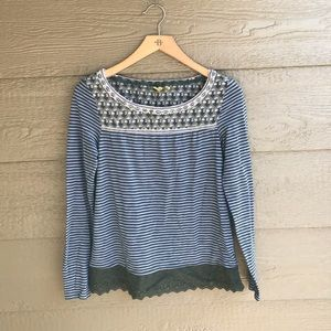 Anthropologie little yellow button blue crewneck